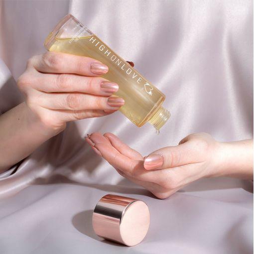 HighOnLove zmysłowy olejek do masażu truskawki i szampan 120 ml