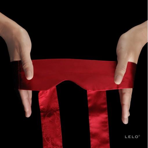 LELO Intima jedwabna opaska na oczy czerwona