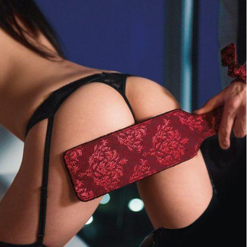 Scandal packa do klapsów czarno-czerwona
